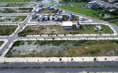 Gặp khó ở Sài Gòn, đại gia bất động sản dạt tỉnh