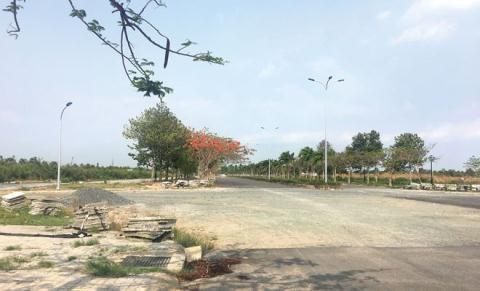 Loạt đô thị bỏ hoang trong vùng sốt đất vì thiếu hạ tầng