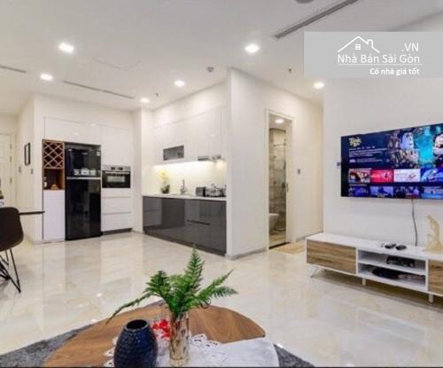 Bán căn hộ Vinhomes Golden River 2PN, diện tích 78m2, đầy đủ nội thất, view sông